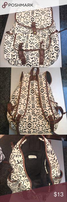 Aldo Backpack Spacious and adjustable Aldo backpack. Super comfy and roomy! Aldo Bags Backpacks
