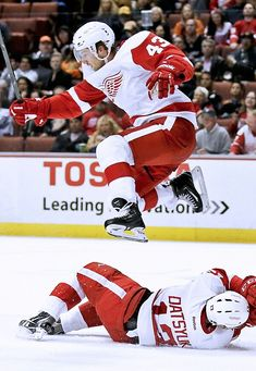Red Wings hockey ninja training camp :-)