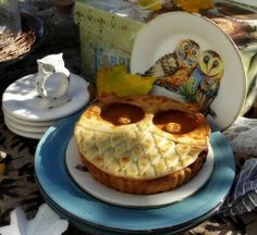...a quiet life...: something worth hooting about~ hoo pies!