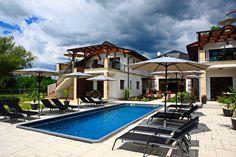 Villa in Gyenesdiás, Hungary. A helyem erre megfelelő: párok, üzleti utazók és családok (gyermekekkel).