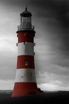 Smeaton's Tower on Plymouth Hoe would be such a good place for a photoshoot!