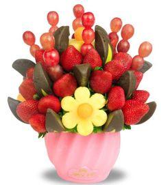 Chocomanzanitas... el regalo perfecto!! #comeme #arreglofrutal #fresas #chocolate #saludable #uvas #manzana #regalo Chocolates, Fresas Chocolate, Edible Arrangements, Valentine Treats, Fruit Salad, Fathers Day, Appetizers, Passion, Flowers