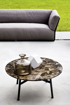 SUMMER SET Coffee table by Varaschin design Christophe Pillet @varaschinspa
