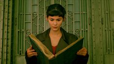 """vvorshipyou:  """"Any normal girl would call the number, meet him, return the album and see if her dream is viable. It's called a reality check. The last thing Amélie wants."""" Le Fabuleux Destin d'Amélie Poulain (2001)dir.Jean-Pierre Jeunet"""