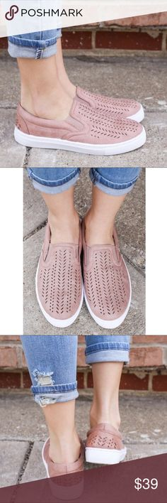🆕LIZZIE slip ons- BLUSH Super comfy slip on sneaks. Fits true to size. 🚨PRICE FIRM🚨 Shoes Sneakers