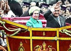 Lovitură de stat 1989   Nicolae Ceauşescu Preşedintele României site oficial Mtv, Halloween, Instagram, Funny, Military, Movies, Funny Parenting, Hilarious, Fun