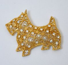 Vintage Rhinestones Scottie Dog Animal Figural Filigree Gold Tone Brooch Pin