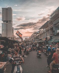 Welcome to Phnom Penh 🇰🇭 the capital city of Cambodia.