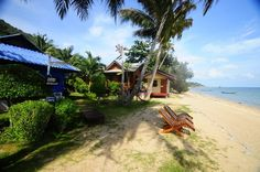 Bird Bungalow , located on sunset beach , HaadRin , Koh Phangan is a quiet laid back bungalow resort with prices ranging from 250-1500 baht a night and has been for many years the best place to meet new and old friends.   #beaches #familyfun #beautiful #holiday #haadrin #kohphangan #thailand
