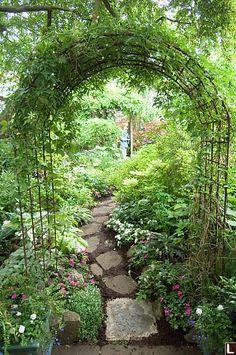 Arco en el patio trasero