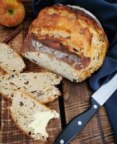 Knuspriges Apfel-Nuss-Brot :: Bella-cooks-and-travels Banana Bread, Cooking, Desserts, Food, Poppy Seed Cake, New Recipes, Apple, Food And Drinks, Food Food