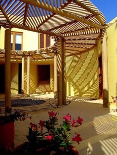 10 Humorous Tips AND Tricks: Easy Garden Ideas Patio large backyard garden courtyards. Pergola Attached To House, Deck With Pergola, Wooden Pergola, Pergola Shade, Pergola Patio, Pergola Kits, Bamboo Roof, Bamboo House, Bamboo Structure