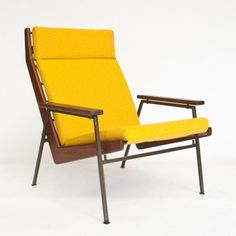 Located using retrostart.com > Lotus 1611 Lounge Chair by Rob Parry for Gelderland