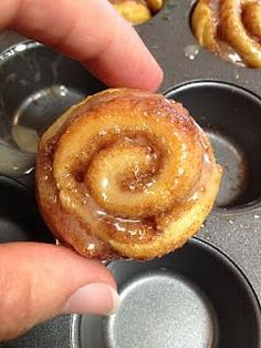 20 Minute Mini Cinnamon Rolls with Maple Glaze! Quick and easy!