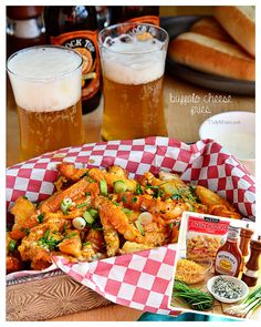 Buffalo Cheese Fries: The flavor of buffalo chicken wings meets the crispy texture of french fries topped with sharp cheddar and blue cheese. Serve with a fork and ranch dressing. Potato Dishes, Potato Recipes, Chicken Recipes, Egg Recipes, Pizza Recipes, I Love Food, Good Food, Yummy Food, Buffalo Fries