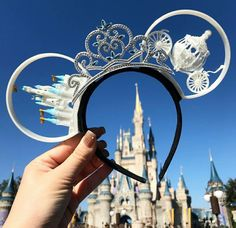 Cinderella's castle themed Minnie ears Disney Minnie Mouse Ears, Diy Disney Ears, Disney Bows, Mickey Y Minnie, Disney Diy, Cute Disney, Disney Outfits, Disney Style, Disney Trips