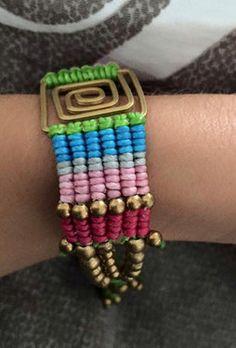 https://www.etsy.com/es/listing/242252080/bracelet-macrame