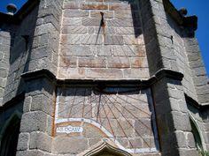 Reloj de sol del Monasterio del Paular en Rascafria. Madrid. España.