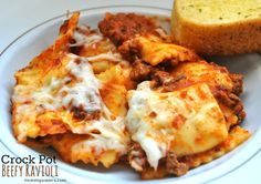 Crock Pot Freezer Meals: Beefy Ravioli Beefy Ravioli is a very easy crock pot freezer meal to make as it only requires 4 ingredients and 2-3 hours to cook. It's also very versatile, so if you like ...