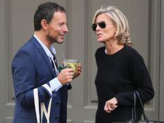 Claire Chazal La France Older women hairstyles, Older