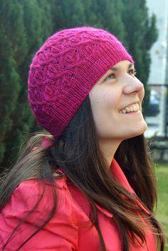 Ravelry: Almandine hat pattern by Anna Rauf