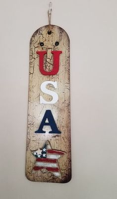Diy Patriotic Sign Made Out of a Fan Blade - Mixed Kreations Americana Crafts, Patriotic Crafts, July Crafts, Patriotic Party, Holiday Crafts, Kids Crafts, Wood Crafts, Holiday Ideas, Ceiling Fan Parts