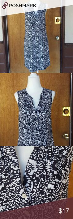 old navy  black white print dress size medium in great condition  Bust - 36 inches Length - 35 inches Old Navy Dresses