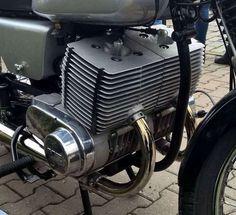 MZ 502 Eigenbau Un peu mastoc le dessin des culasses. Antique Motorcycles, Cars And Motorcycles, Trike Chopper, Motorcycle Dirt Bike, Bike Details, Cafe Bike, Motorcycle Engine, Motor Scooters, Classic Motors