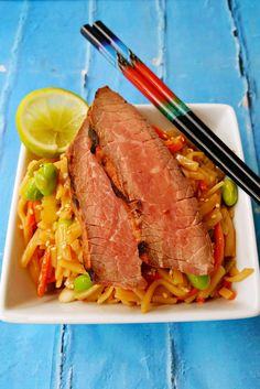 This Grilled Teriyaki Steak and Noodle Salad is deliciously on the table in under 30 minutes. #WeekdaySupper @beeffordinner