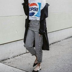 Só tem Pepsi... #moda #fashion  #fashionaddict #fashionblog #stylish #lookdodia #modochique #fashionista #ootn  #ootd #domingo  #consultoriadeestilo #consultoriadeimagem #superbonita  #personalshopper  #personaldeestilo  #brasilia  #trend  #tendencia  #bsb #style #estilo http://butimag.com/ipost/1499592108020629705/?code=BTPnxO6jIDJ