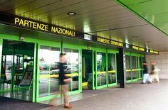 Insegne luminose Aeroporti Milano Linate e Milano Malpensa, partenze nazionali