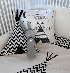 Cushions for the baby or children& room. Baby Bedroom, Nursery Room, Boy Room, Kids Bedroom, Nursery Decor, Bedroom Decor, Photo Pillows, Diy Pillows, Baby Pop