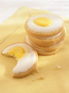 """Sunny Side Up"" Cookies Recipes - would be cute to do green for a Dr. Seuss party"