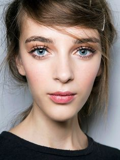 Here's What Women With Great Eyelashes Always Do | Byrdie