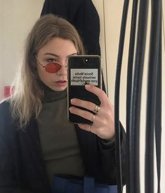 Social Media Challenges, Girls Mirror, Aesthetic Phone Case, Hair Slide, Cell Phone Covers, All About Fashion, Little Things, Accent Pieces, Pretty People