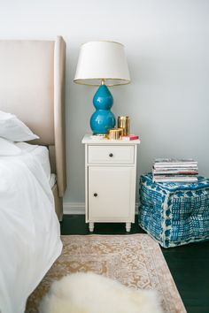 Photography : M Loves MRead More on SMP: http://www.stylemepretty.com/living/2015/09/06/how-to-style-the-perfect-guest-bedroom/