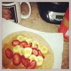 From rags to riches and onto baby wipes : Breakfast with Mickey: Breakfast fruit Wrap, The quick Mom version Low Calorie Fruits, Low Calorie Snacks, Healthy Fruits, Low Calorie Recipes, Healthy Recipes, Skinny Recipes, Breakfast On The Go, Breakfast Fruit, Breakfast Meals