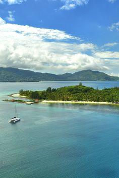 Charter a boat to Sainte anne Island in Seychelles