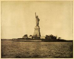 1899 Statue of Liberty - As the steam boat pulls sails closer to New York, the golem notices a pale green woman standing in the water, holding a tablet. At first she believes that it may be another Golem, but as the boat gets closer she realizes that it's a huge statue.