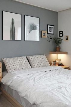 Small Bedroom Ideas - Master bedroom doesn't have to be huge if you don't have enough space.Do you need some inspiration of small master bedroom decorating ideas that fit with your style and space? Bedroom Colors, Home Decor Bedroom, Bedroom Art, Paint Ideas For Bedroom, Small Bedroom Decorating, Grey Wall Bedroom, Cheap Bedroom Ideas, Cheap Bedroom Makeover, Grey Bedroom Design