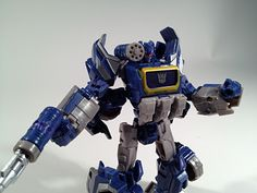 Transformers Generations Cybertronian Soundwave
