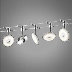 Seilsystem Jimmy 5 LED Moderne und elegante Seil-Beleuchtung mit 5 LED-Scheinwerfern und einem 5 Meter langen Kabel. Das Set besteht aus fünf modernen LED-Strahlern in einem elegantem grau. Die Lichtstärke beträgt 1750 Lumen. #Innenbeleuchtung #Lampe #Spot #Light