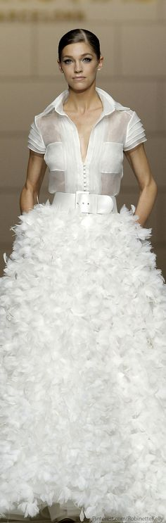 Pronovias Bridal 2015 It's a little Big Bird but there is something about it I like. Pronovias Bridal, Bridal Gowns, Wedding Gowns, Beautiful Gowns, Beautiful Outfits, Bridal 2015, 2015 Fashion Trends, Glamour, Looks Style