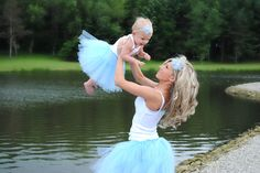 Mommy and Me matching tutus and heabdands! OMG! LOVE this! Cali and i have a date with mint tutus, white tanks, and a camera this summer! I can throw a mint tee on Wy too!