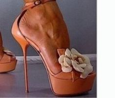 82.65$  Buy now - http://alixl5.shopchina.info/go.php?t=32781676197 - Summer shoes women 2017 platform high heel sandals extreme high heel flower design ankle-strap lace-up women flower shoes nude  #buyonline