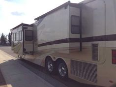 2002 Used Monaco Dynasty 40 KING Class A in California CA.Recreational Vehicle, rv, 2002 Monaco Dynasty 40 KING, 2002 Monaco Dynasty 40' Motor Home with 3 slide outs. Has 21,000 miles, immaculate and always under cover, 400 Cummins and 3000 Allison, tag axle, air bag suspension, air-hydraulic leveling system, Ralph Lauren interior colors, $36,561 in options plus all of the standard items that a high line coach like this comes with. Serviced every 3,000 miles. As new as you would find in a…