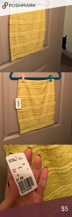 Forever 21 Lime Skirt New with tags! Very cute and fitting! Size small! Forever 21 Skirts Mini