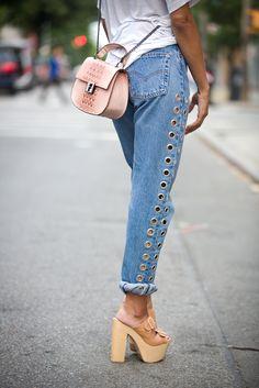 Hip Unique High Waist Eyelet Jeans, Boyfriend Denim Jeans, Please Read Size Chart dsign tribe™ Denim Outfits, Outfit Jeans, Jeans Shoes, Moda Jeans, Denim Jeans, Loose Jeans, Denim Shirts, Raw Denim, Denim Bag