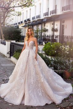 "The flower-filled backdrop of the Milla Nova ""Blooming London"" collection has us all kinds of excited for spring. Short Wedding Gowns, Bridal Wedding Dresses, Dream Wedding Dresses, Designer Wedding Dresses, Wedding Styles, Mila Nova Wedding Dress, Wedding Dresses London, The Bride, Affordable Wedding Dresses"