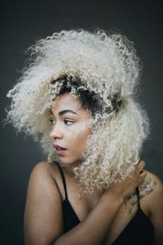 55 beautiful styles of curly blonde hair 2019 make you more cute enchanting 47 My Hairstyle, Afro Hairstyles, Hairstyles 2018, Growing Afro Hair, Curly Hair Styles, Natural Hair Styles, Blonde Curly Hair, Blonde Afro, Bleach Blonde